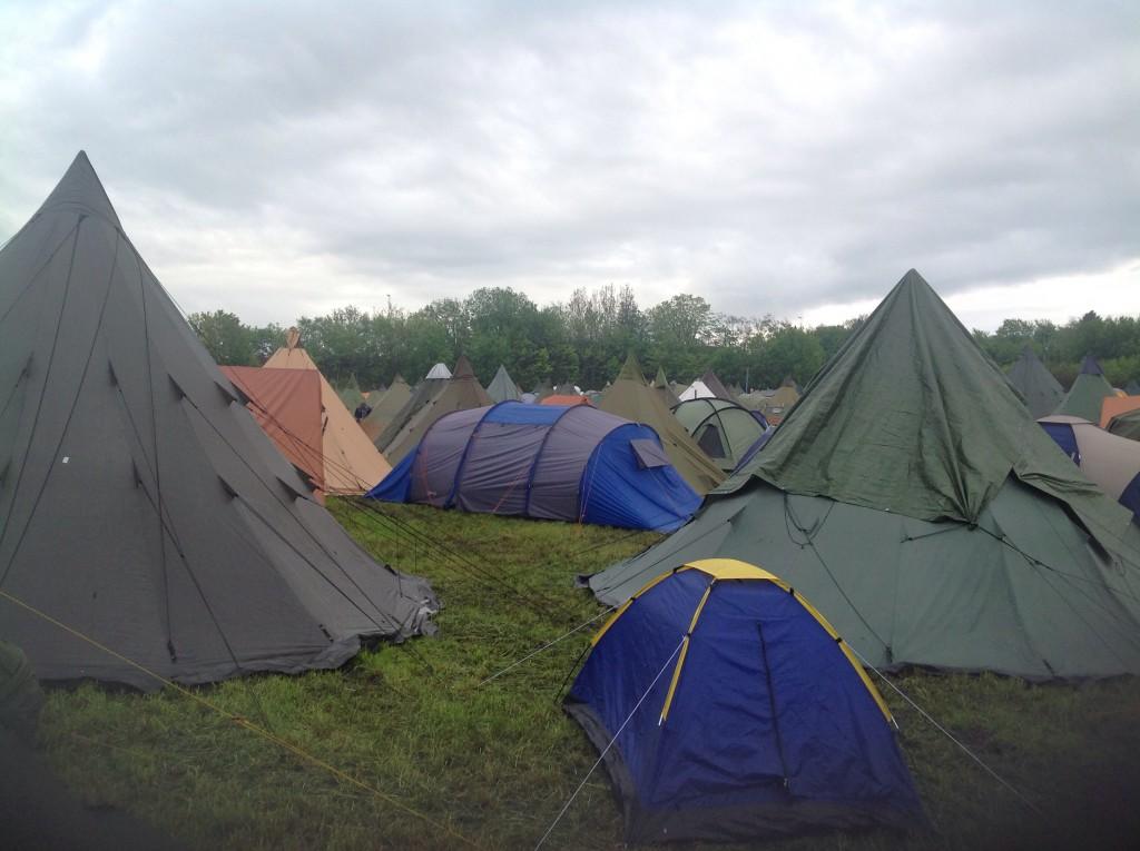 Morgenstemning i teltleiren. Foto: Trond Engen