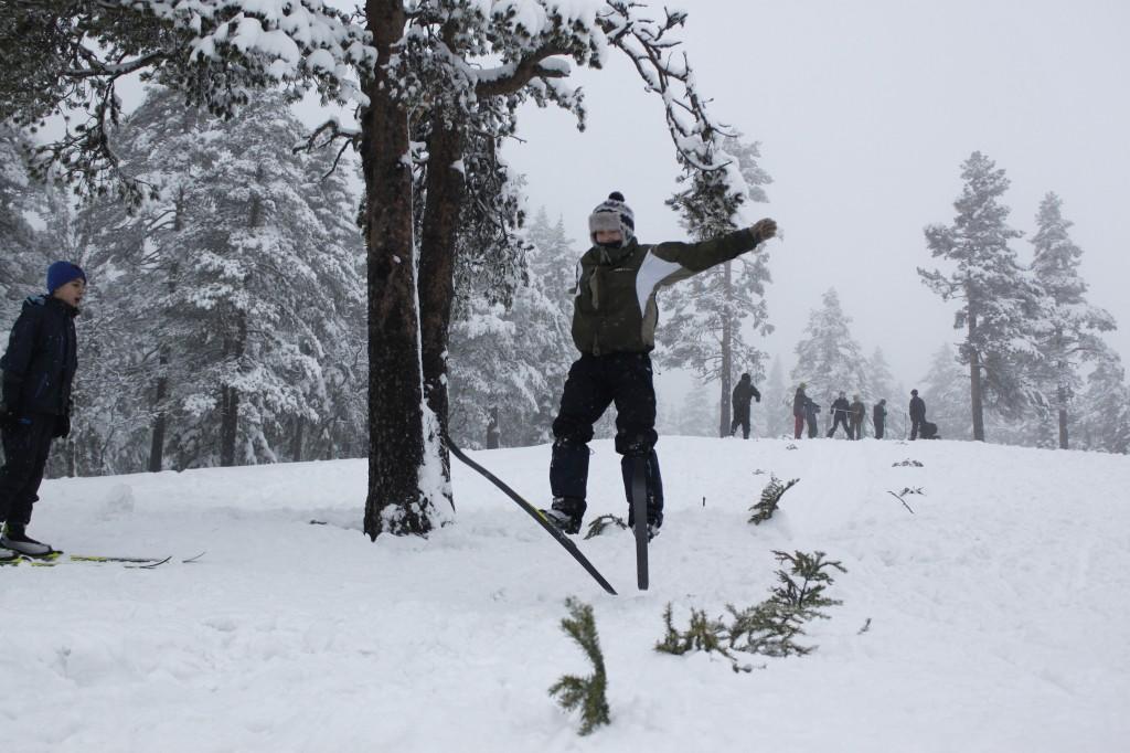 Emilie kom midt på lista etter tre jevne hopp. Foto: Kristoffer Nilsson