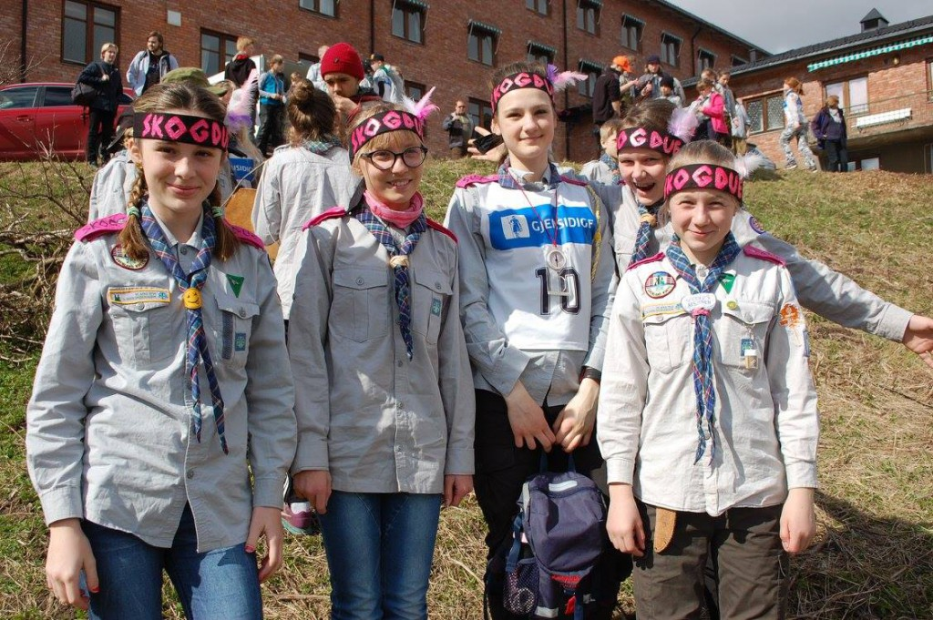 Skogdue ved friskt mot etter åpninga av konkurransen. Foto: Hanne Birte Hulløen (Facebook)